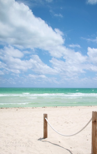 En arrivant à la plage ...
